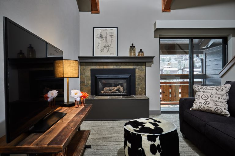 Highline Hotel Vail By DoubleTree Residential Loft Suite - Living Room