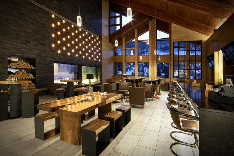 Pivot62_restaurant_bar at Highline Hotel Vail