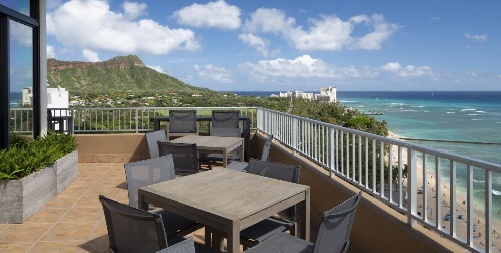 Coconut Club balcony overlooking a view of Diamond Head and the pacific ocean