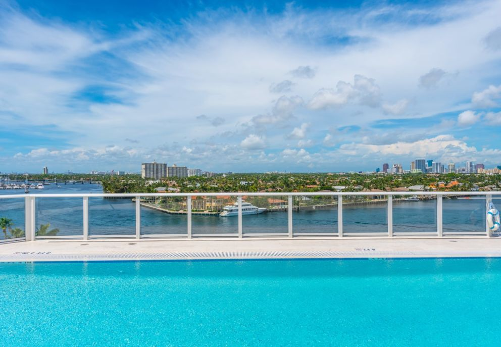 gale-fort-lauderdale-events-rooftop-pool