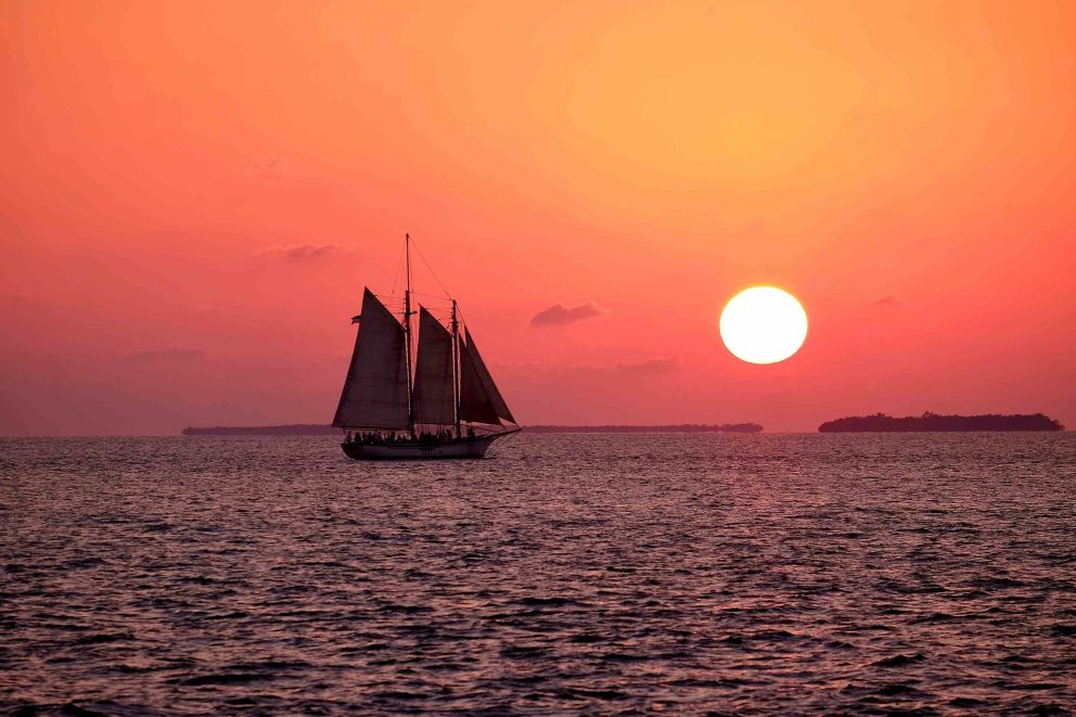 Sunset cruises, book with Oceans Edge Resort and Marina