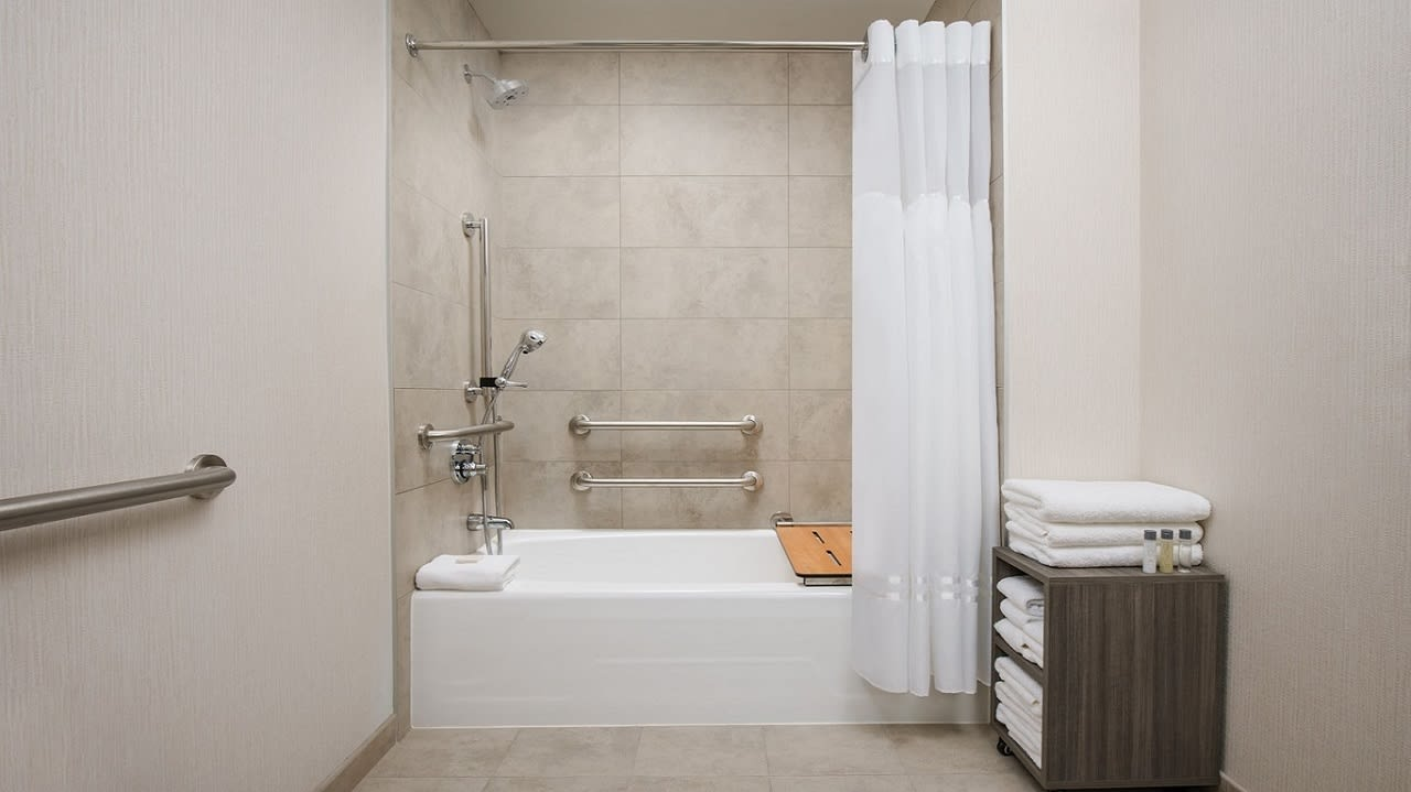 Deluxe King Mobility Accessible ADA TUB