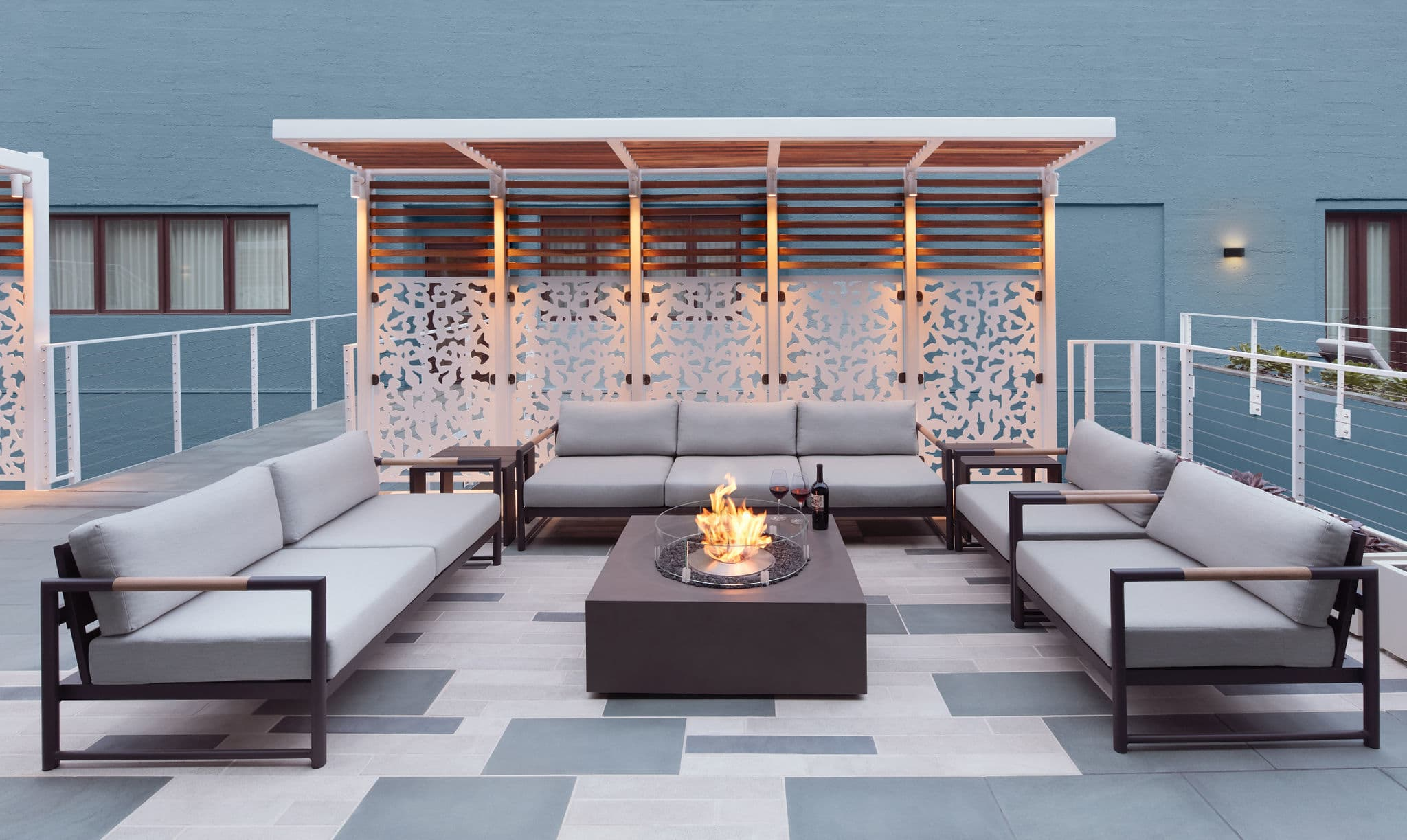 Courtyard Firepit Lounge