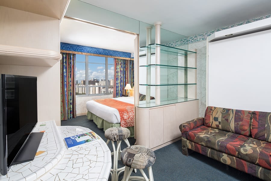 Classic One-Bedroom Suite City View