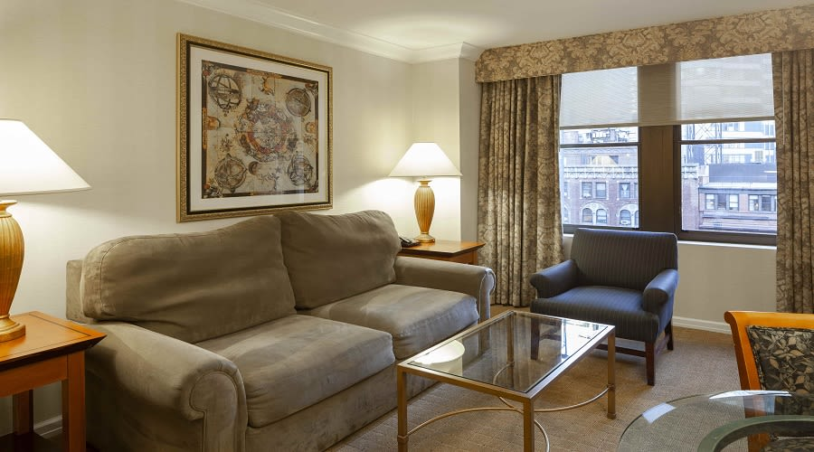 Executive Jr. Suite
