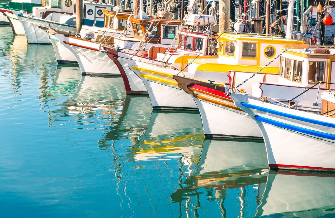 Colorful-sailing-boats-at-Fishermans-Wharf-of-San-Francisco-Bay-522892625_1270x828