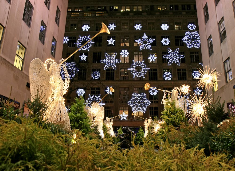 Bring the Kids to these Glimmering Light Displays in NYC blog image