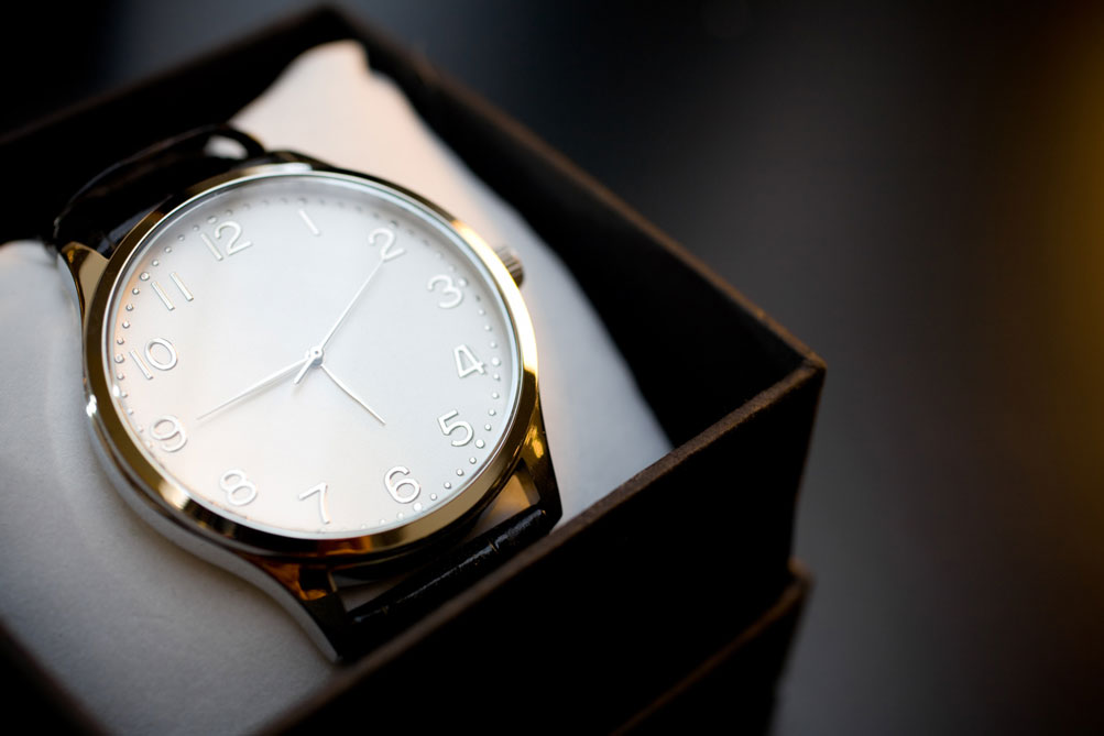 luxury-watch-in-box