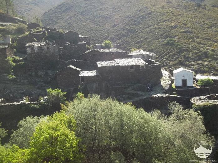 12 Trilhos Épicos - Drave a aldeia Mágica