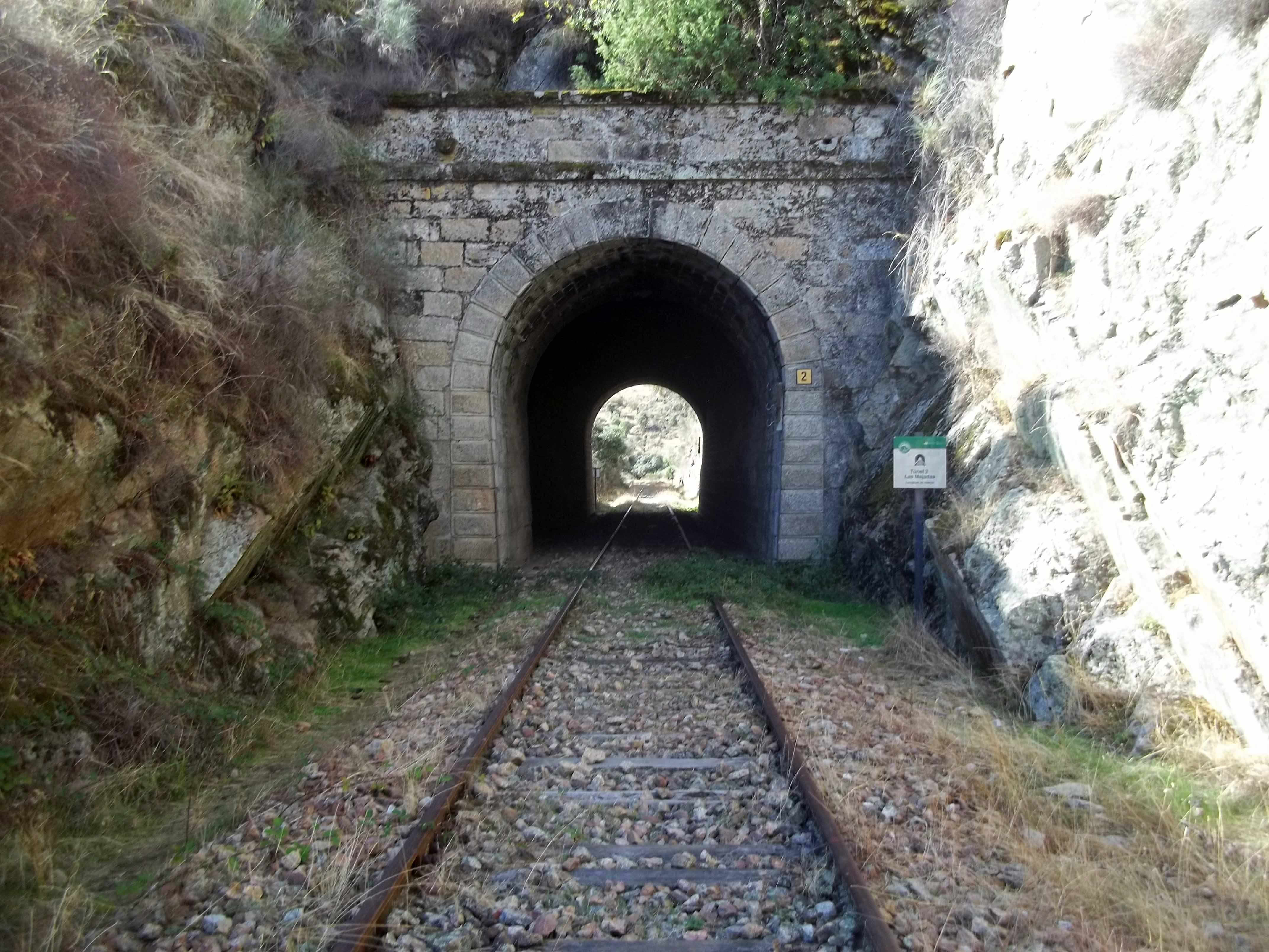 12 Trilhos Épicos - Rota dos túneis