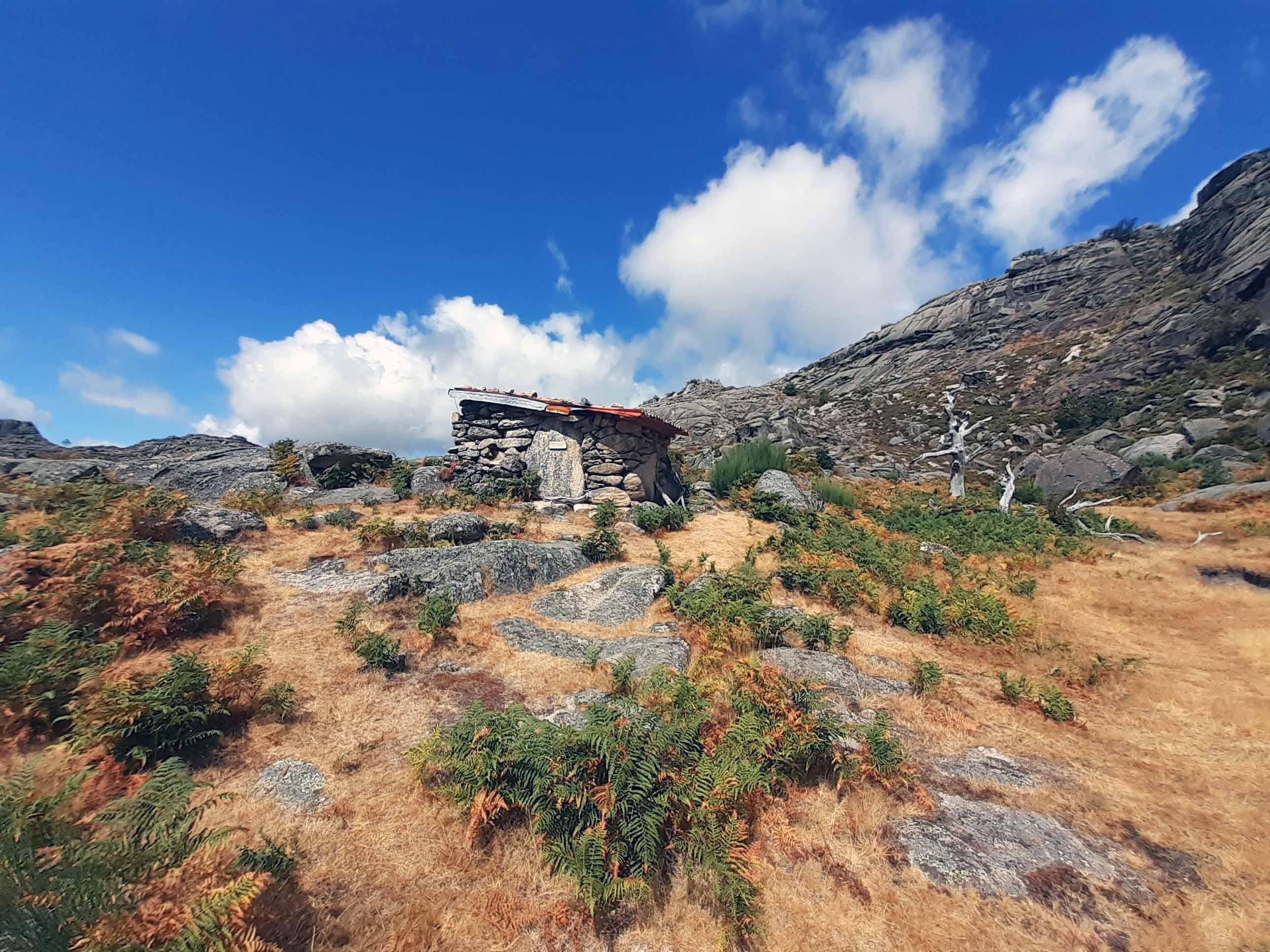 12 Trilhos Épicos - Pé de Cabril e fenda Calcedónia