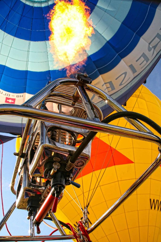 hot air ballooning in nepal