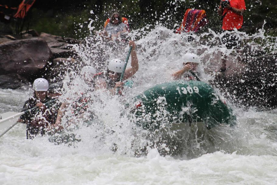 white water rafting in sun koshi river