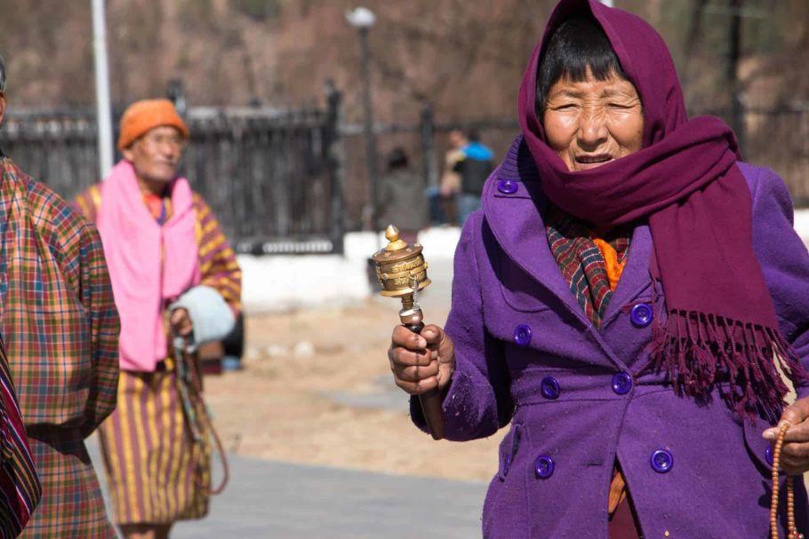 bhutanese praying