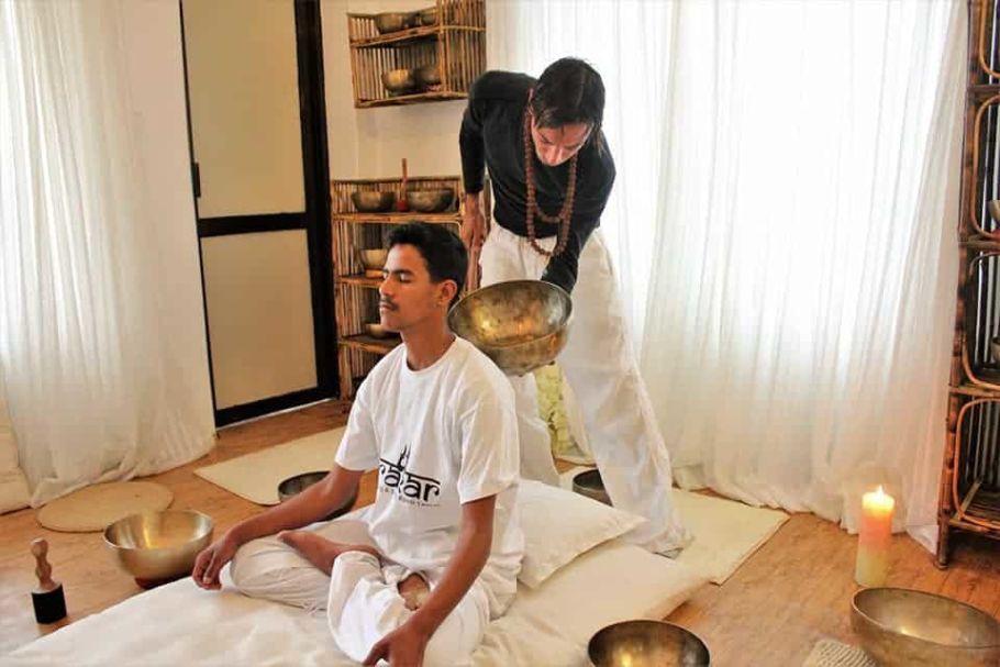 singing bowls chakras balancing