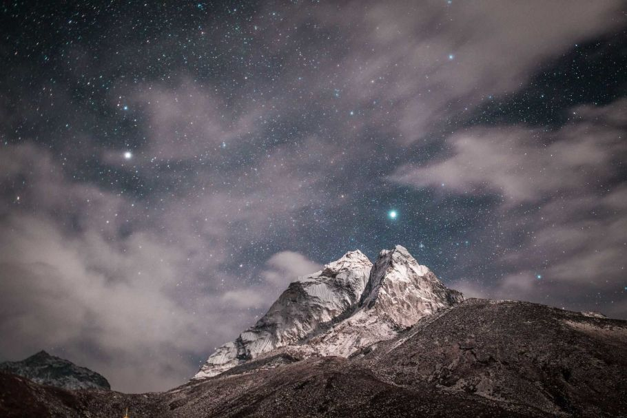 mount himalaya at night