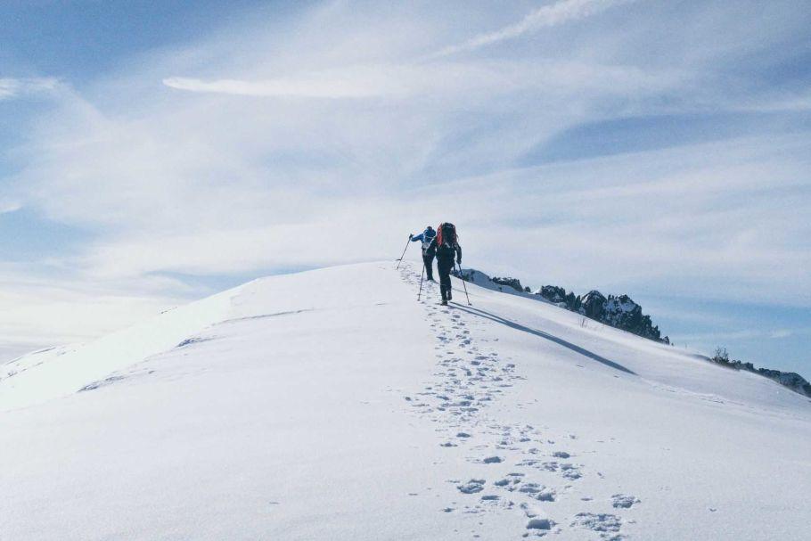 trekking to himalaya mountain