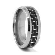 Anello di titanio con dettaglio in carbonio