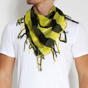 Sjaal met Geel Ruitpatroon