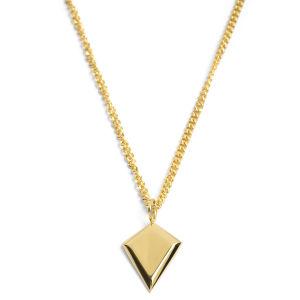 Collar de acero con triángulo dorado