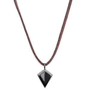 Collar de cuero con triángulo negro