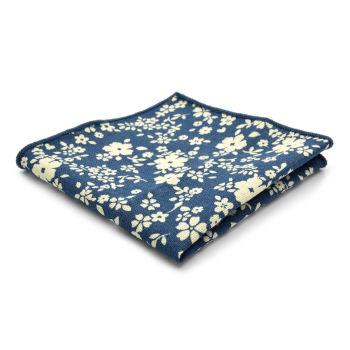 Pañuelo de bolsillo azul con flores blancas