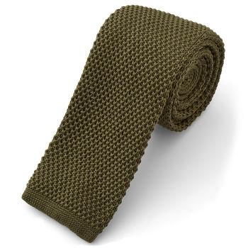Corbata de punto verde militar