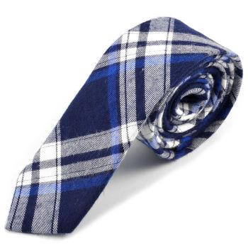 Corbata de lana azul claro