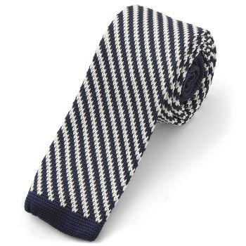 Corbata de punto blanca y azul a rayas