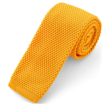 Corbata de punto amarilla