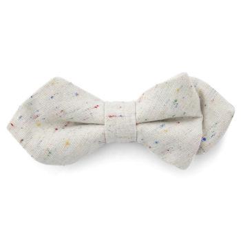 Pajarita puntiaguda de lino blanco