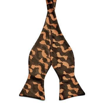 Pajarita para atar camuflaje marrón