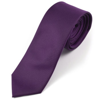 Corbata morada hecha a mano