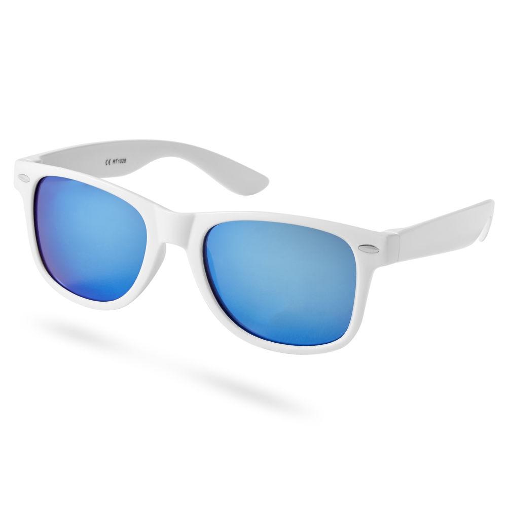 Dinamikus kék lencsés napszemüveg fehér kerettel  474d3fa4dd