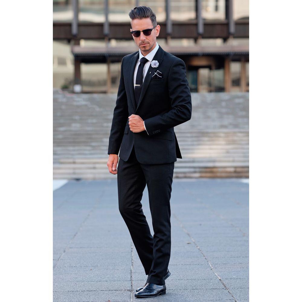b73dcaec3c3 Černá vzorovaná kravata