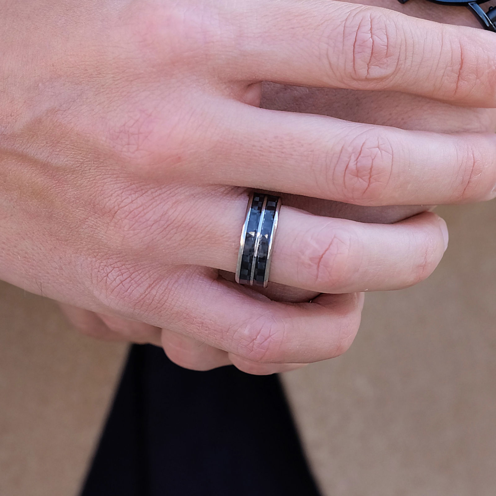 Two Line Carbon Titanium Ring | Trendhim | Free shipping