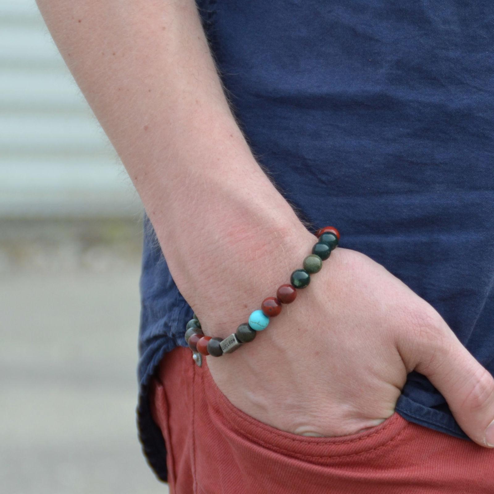 9be1d028059b Armbånd med Fargede Perler