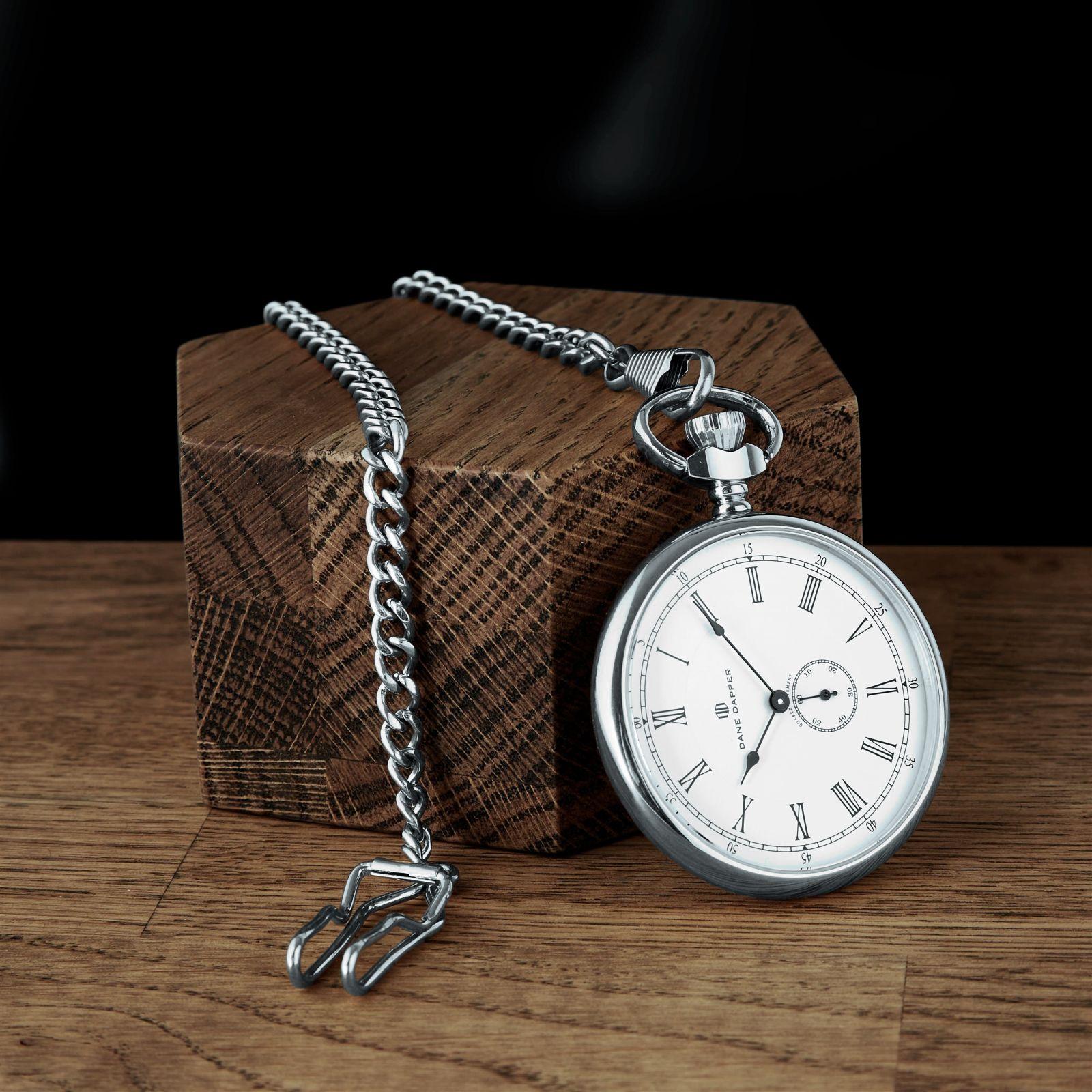 Vreckové hodinky v strieborných tónoch s bielym číselníkom Time Keeper  b60d6de1469