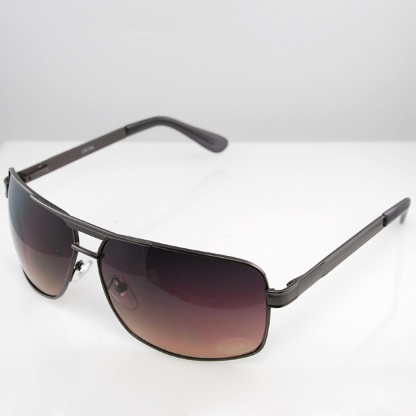 15745a149b1b Sorte Store Moderne Solbriller