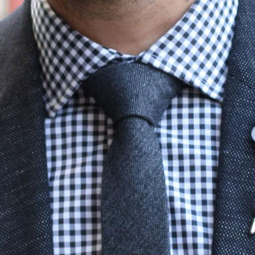Compra los productos del look. Corbata de lana gris ... 532df138cdc