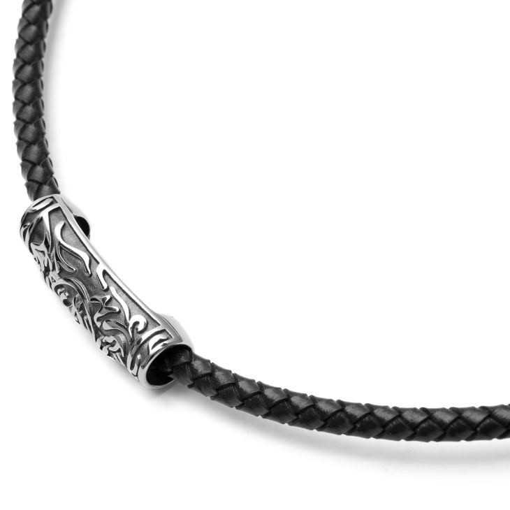 Čierny kožený náhrdelník s príveskom v tvare valca s magickým motívom  96c1e3cbd92