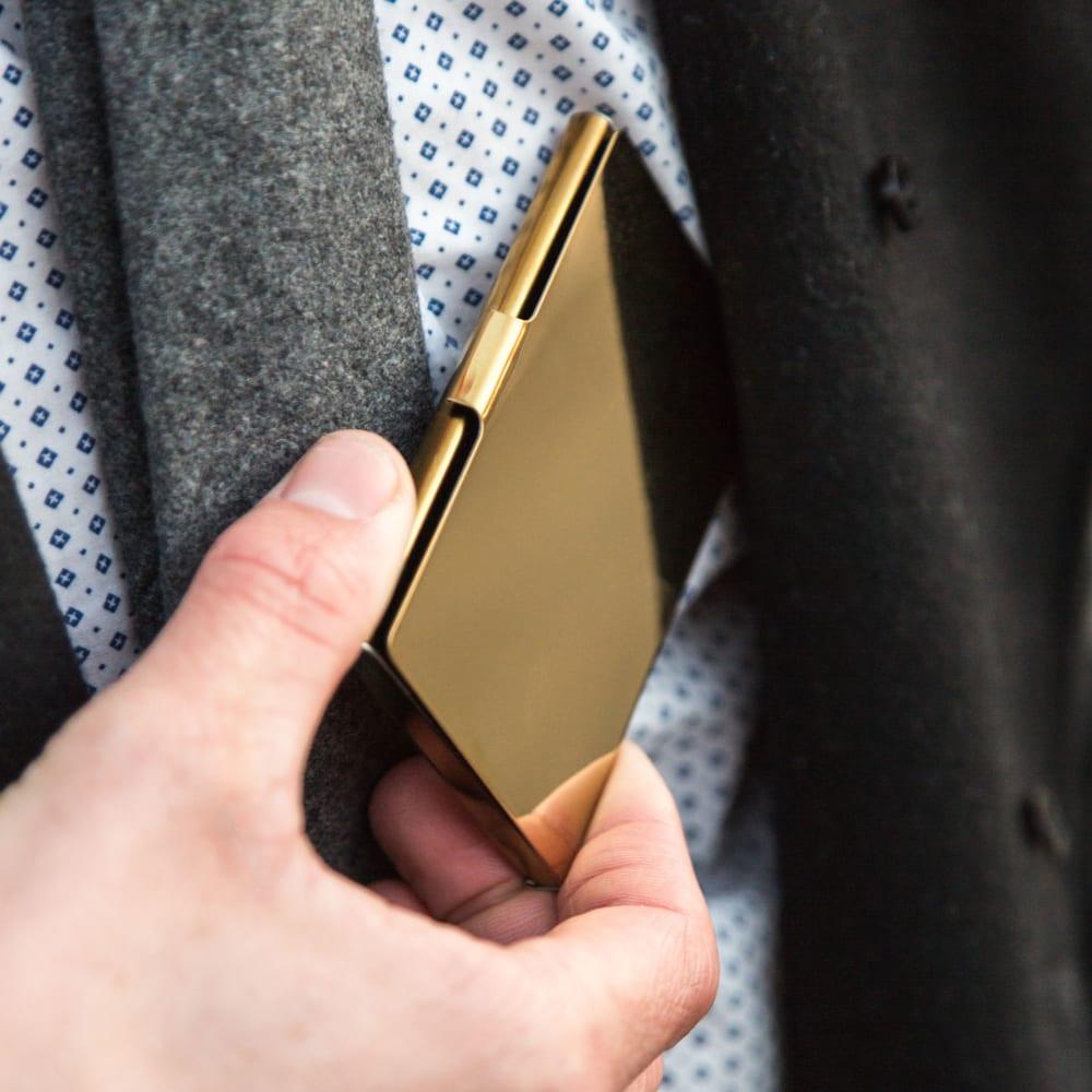 παρθένα κινητό τηλέφωνο γάντζος φίλη έχει προφίλ στο site γνωριμιών