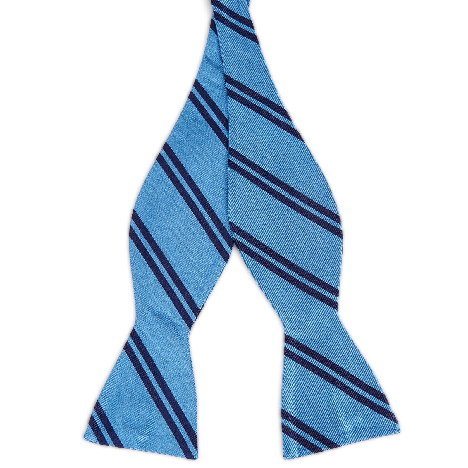 fb18ad29e7d Blauwe Zijden Zelfbinder Vlinderdas met Dubbele Marineblauwe Streep