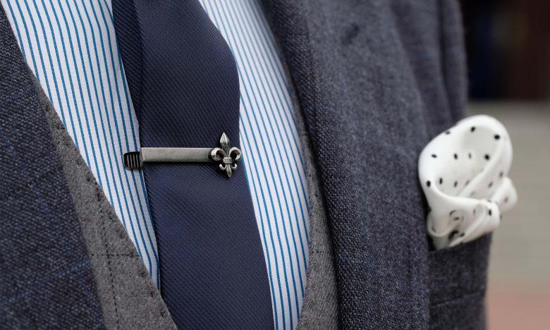 368b4ba7009648 7 regole essenziali per abbinare gli accessori da uomo