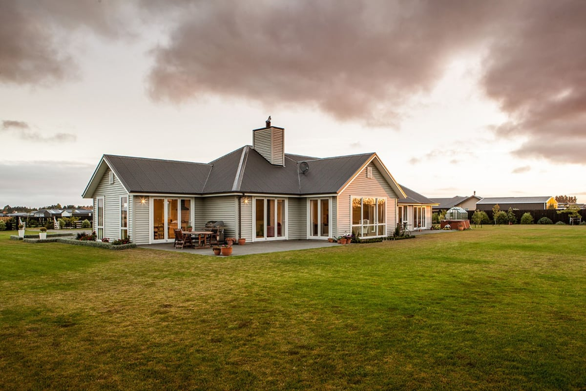 Envira Wooden Weatherboards - Lovely Spacious New Home