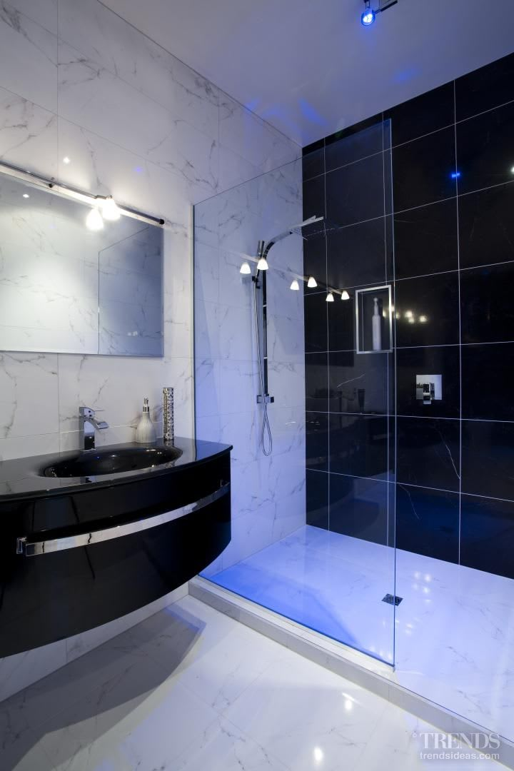Conversation piece - Modern European bathroom designed by Carlos Carvalho