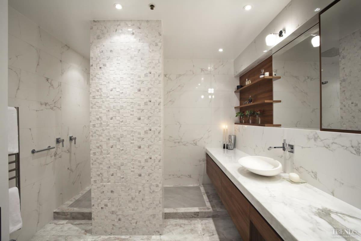 Contemporary, marble bathroom by Leonnie Von Sturmer
