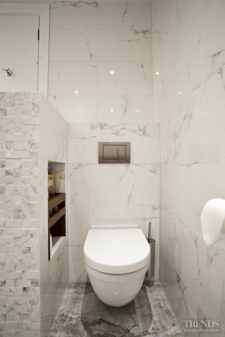 Contemporary, marble bathroom by Leonnie Von Sturmer