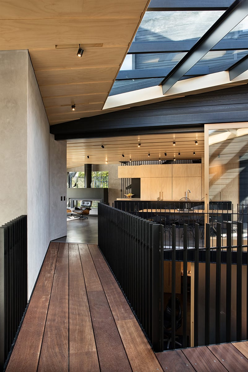 Sculptural kitchen at the heart of the home – both functionally and in terms of design