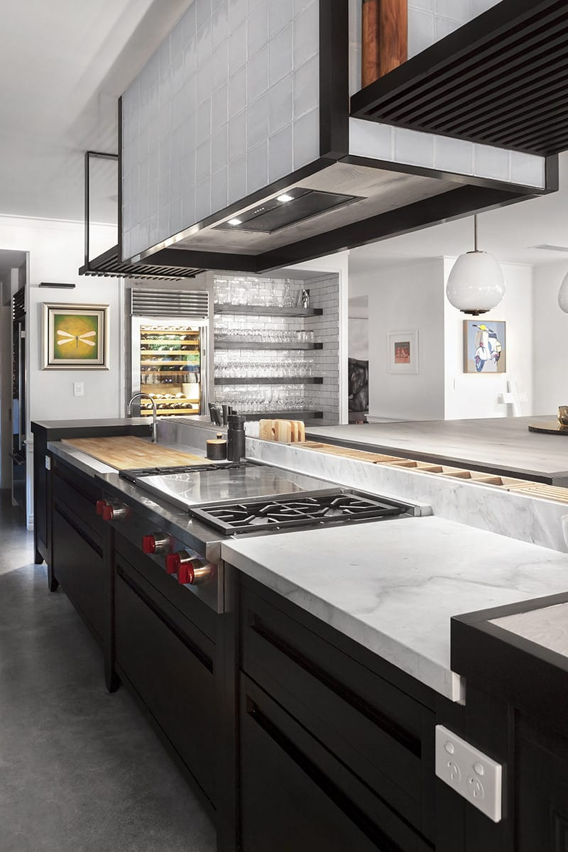 Unfitted kitchen combines organic design with a handmade feel